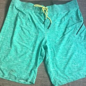 Lululemon men's athletic shorts drawstring 36